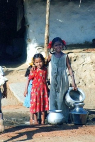 southern India girls fetching water